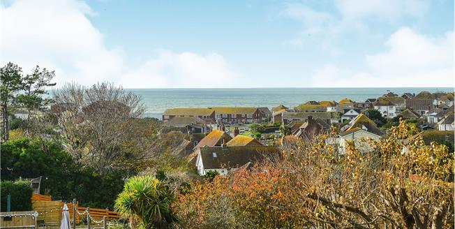 Asking Price £650,000, 6 Bedroom Detached House For Sale in Saltdean, BN2