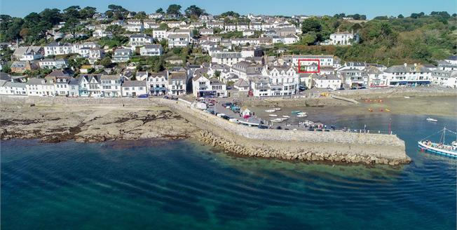 Guide Price £500,000, 2 Bedroom Flat For Sale in St. Mawes, TR2