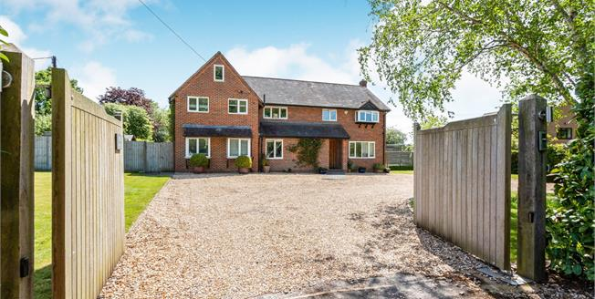 Guide Price £1,250,000, 5 Bedroom Detached House For Sale in Hartley Wespall, RG27