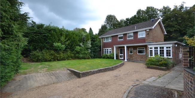 Guide Price £725,000, 5 Bedroom Detached House For Sale in Tunbridge Wells, TN2