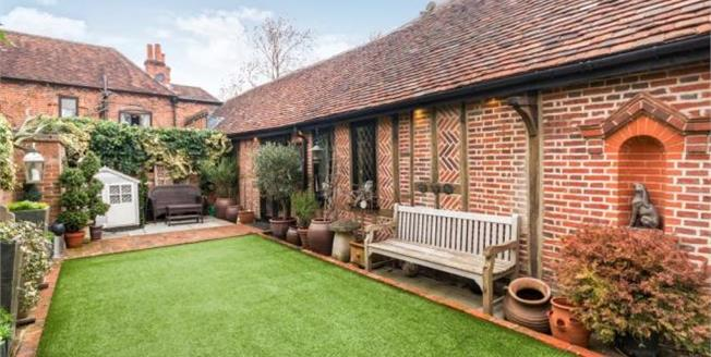 Asking Price £500,000, Detached House For Sale in Berkshire, RG12