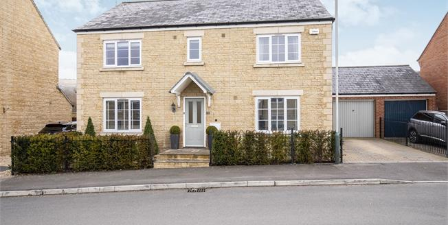 Guide Price £575,000, 4 Bedroom Detached House For Sale in Prestbury, GL52