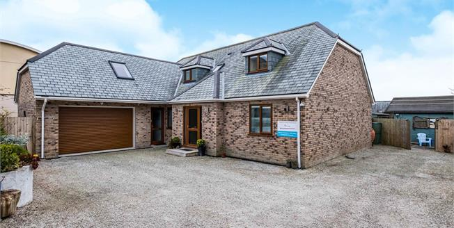 Guide Price £675,000, 5 Bedroom Detached House For Sale in Newquay, TR7