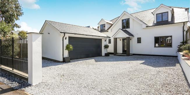 Asking Price £899,950, 3 Bedroom Detached House For Sale in Lightwater, GU18