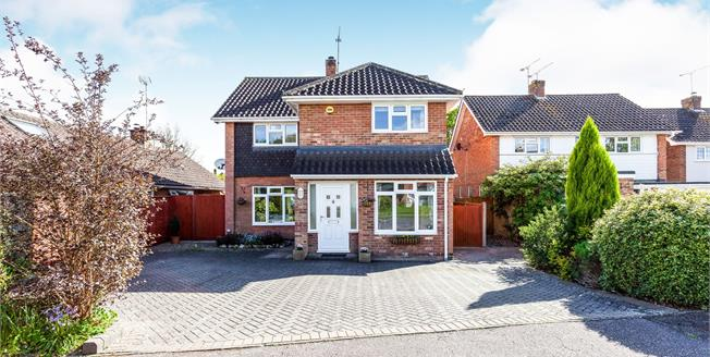 Asking Price £675,000, 4 Bedroom Semi Detached House For Sale in Crawley Down, RH10