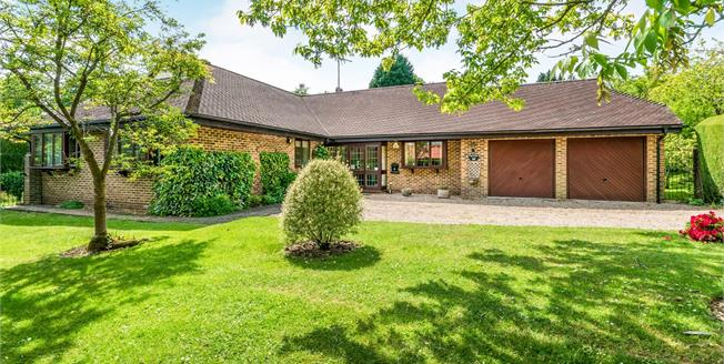 Guide Price £700,000, 4 Bedroom Bungalow For Sale in West Chiltington, RH20