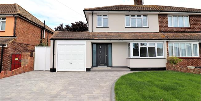 Guide Price £550,000, 3 Bedroom Semi Detached House For Sale in Southend-on-Sea, SS1