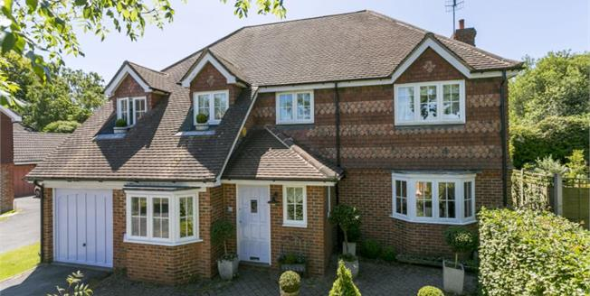 Guide Price £900,000, 4 Bedroom Detached House For Sale in Kent, TN2