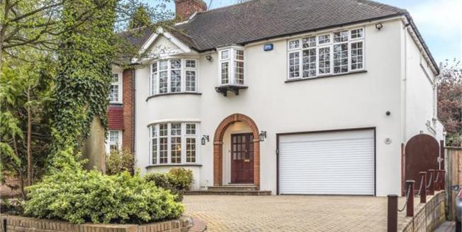 Asking Price £899,000, 4 Bedroom Semi Detached House For Sale in BR6