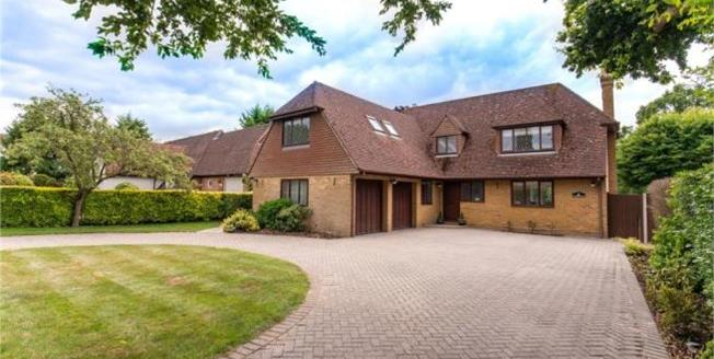 Asking Price £1,400,000, 4 Bedroom Detached House For Sale in Hutton, CM13