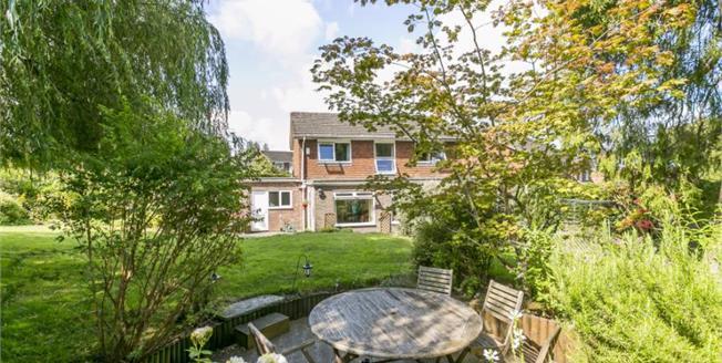 Guide Price £725,000, 4 Bedroom Detached House For Sale in Tunbridge Wells, TN2