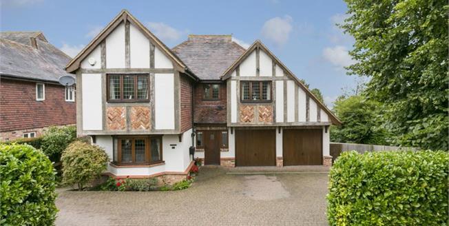 Guide Price £950,000, 5 Bedroom Detached House For Sale in Tunbridge Wells, TN2