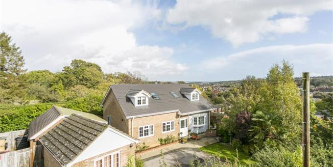 Guide Price £875,000, 5 Bedroom Detached House For Sale in Tunbridge Wells, TN4