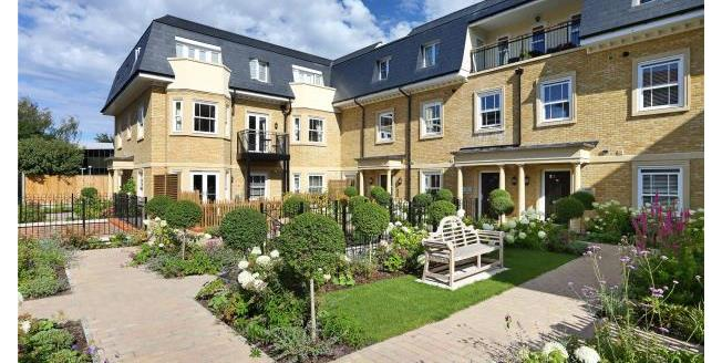 Guide Price £695,000, 2 Bedroom House For Sale in Cobham, KT11