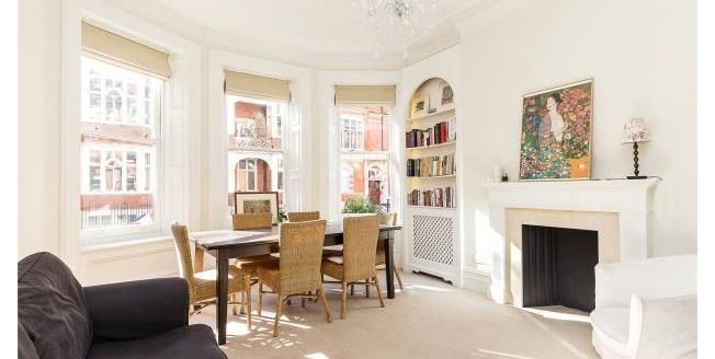 Asking Price £2,150,000, 3 Bedroom Apartment For Sale in SW3