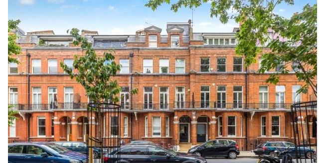 Guide Price £995,000, 3 Bedroom Apartment For Sale in London, SW3