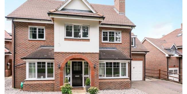 Guide Price £995,000, 5 Bedroom Detached House For Sale in Esher, KT10