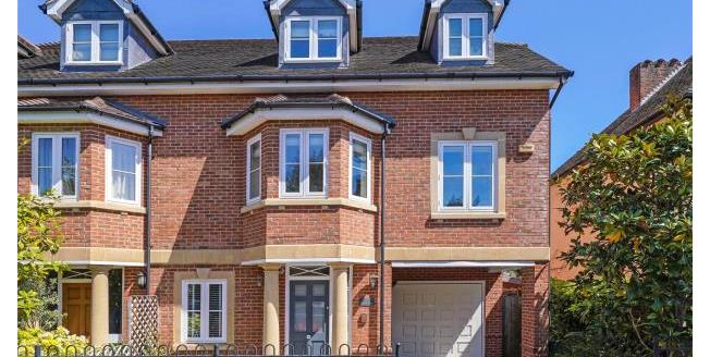 Guide Price £1,150,000, 4 Bedroom Semi Detached House For Sale in Esher, KT10