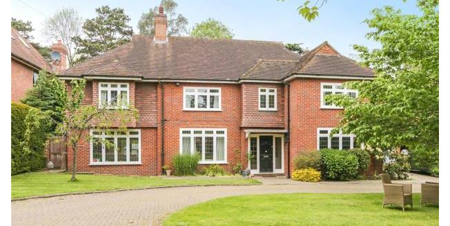 Guide Price £1,995,000, 5 Bedroom Detached House For Sale in Surrey, KT10