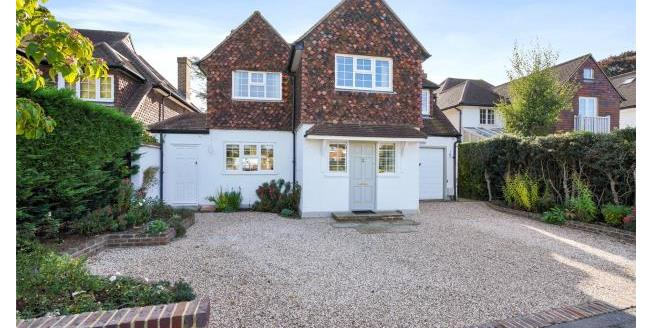 Guide Price £1,595,000, 4 Bedroom Detached House For Sale in Esher, KT10