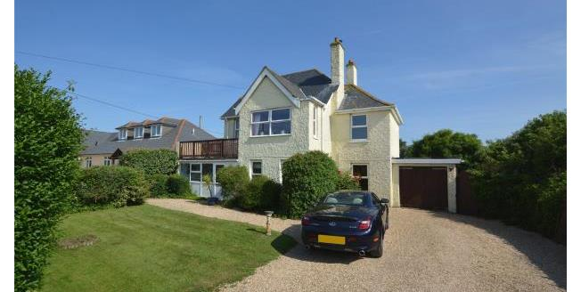 Guide Price £695,000, 4 Bedroom Detached House For Sale in Hampshire, SO41