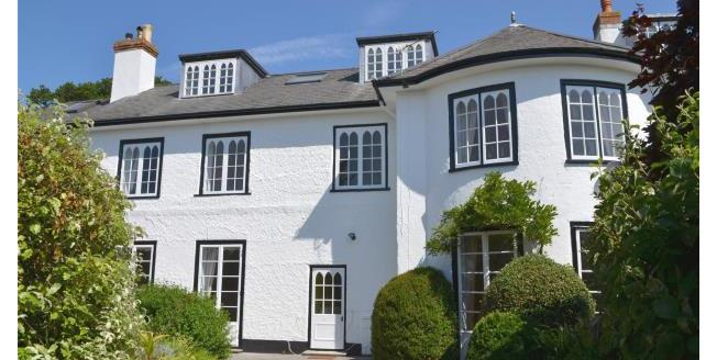 Guide Price £1,200,000, 4 Bedroom House For Sale in Hampshire, SO41