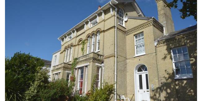 Guide Price £235,000, 1 Bedroom Apartment For Sale in Hampshire, SO41