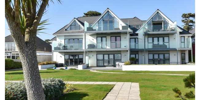 Guide Price £1,300,000, 3 Bedroom Apartment For Sale in Highcliffe, BH23