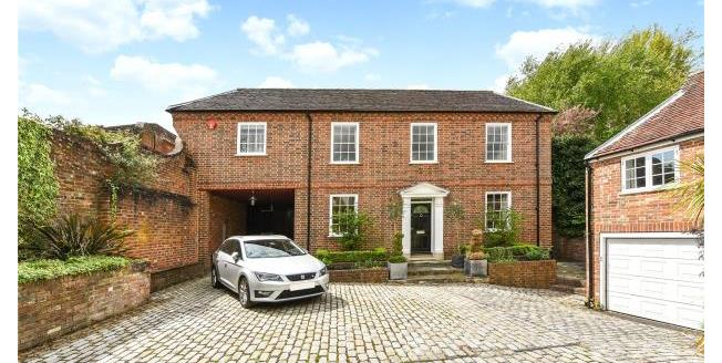 Guide Price £1,750,000, 5 Bedroom Detached House For Sale in Hampshire, SO41