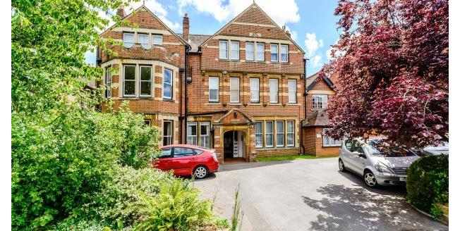 Guide Price £600,000, 2 Bedroom Apartment For Sale in Oxford, OX2