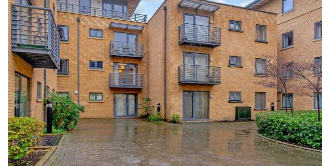Offers in excess of £350,000, 1 Bedroom Apartment For Sale in Oxford, OX1