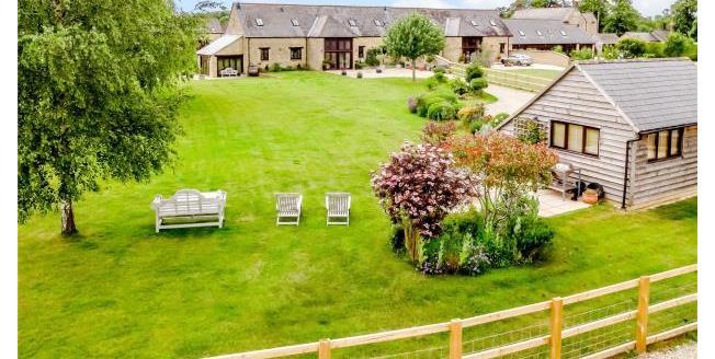 Guide Price £1,100,000, 4 Bedroom For Sale in Faringdon, SN7