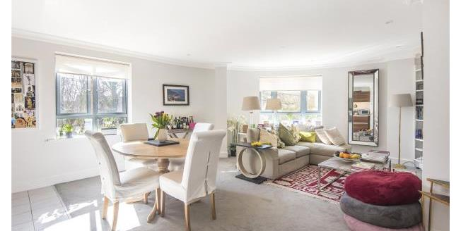 Guide Price £750,000, 3 Bedroom Apartment For Sale in Oxford, OX2