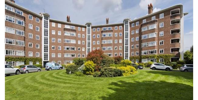 Guide Price £575,000, 3 Bedroom Apartment For Sale in Surrey, TW10