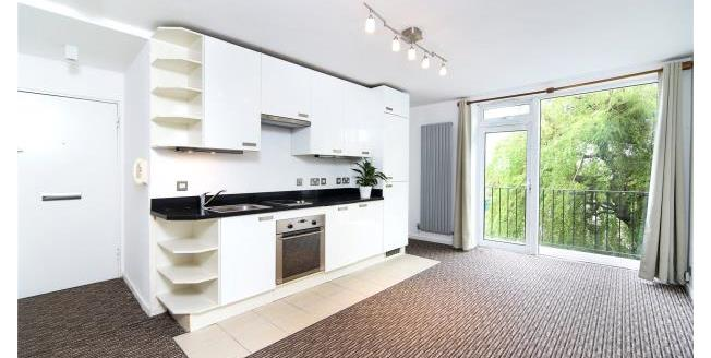 Asking Price £365,000, 1 Bedroom Apartment For Sale in Richmond, TW10