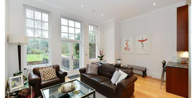 Asking Price £1,750,000, 2 Bedroom Maisonette For Sale in SW7