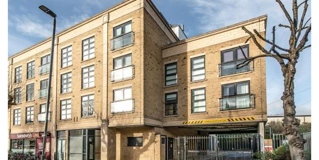 Asking Price £350,000, 1 Bedroom Apartment For Sale in SW18