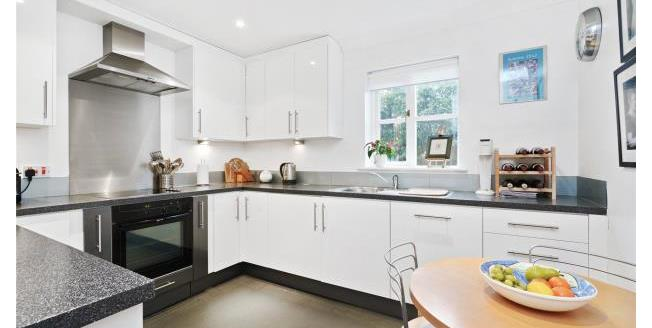 Asking Price £550,000, 2 Bedroom Apartment For Sale in Surrey, KT13