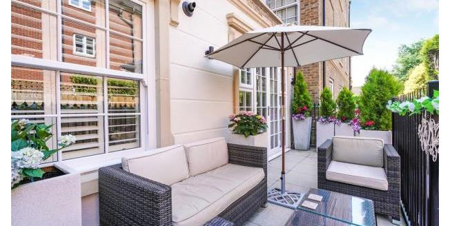 Guide Price £425,000, 1 Bedroom Apartment For Sale in Surrey, KT13