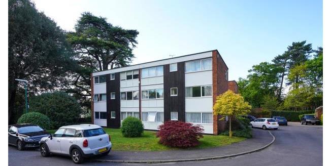 Asking Price £382,000, 3 Bedroom Apartment For Sale in Weybridge, KT13
