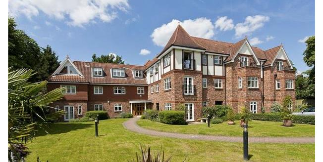 Asking Price £500,000, 2 Bedroom Apartment For Sale in Surrey, KT13