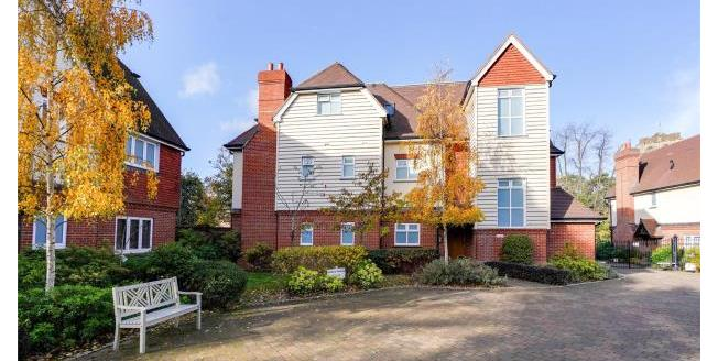 Asking Price £485,000, 2 Bedroom Apartment For Sale in Surrey, KT13