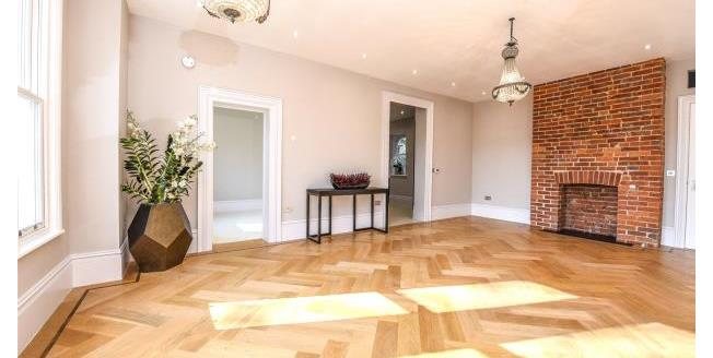 Asking Price £625,000, 2 Bedroom Apartment For Sale in Surrey, KT13