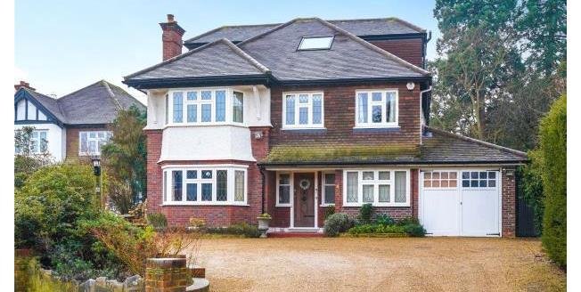 Asking Price £1,800,000, 5 Bedroom Detached House For Sale in Surrey, KT13