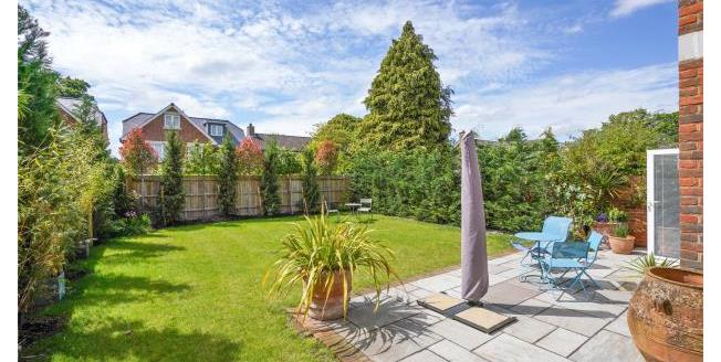 Guide Price £1,449,950, 5 Bedroom Detached House For Sale in Weybridge, KT13