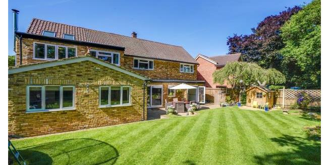 Asking Price £1,250,000, 4 Bedroom Detached House For Sale in Surrey, KT13