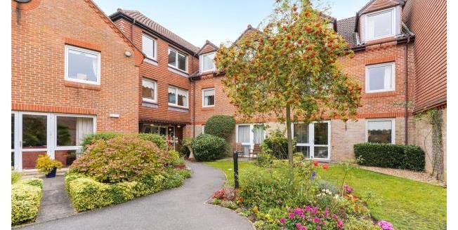 Asking Price £180,000, 1 Bedroom Retirement For Sale in Surrey, KT13