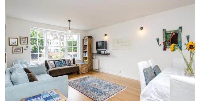 Asking Price £475,000, 2 Bedroom Apartment For Sale in SW20