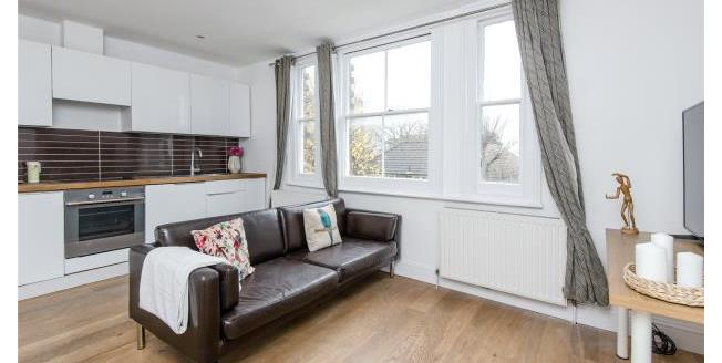 Asking Price £380,000, 1 Bedroom Apartment For Sale in SW19
