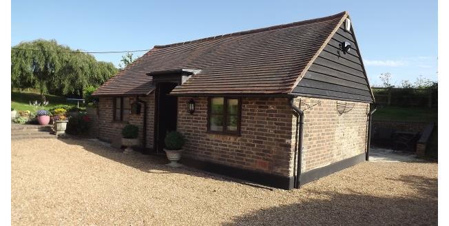 £1,000 per Calendar Month, 1 Bedroom House To Rent in Tonbridge, TN12